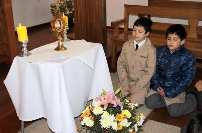adoración eucarística linares