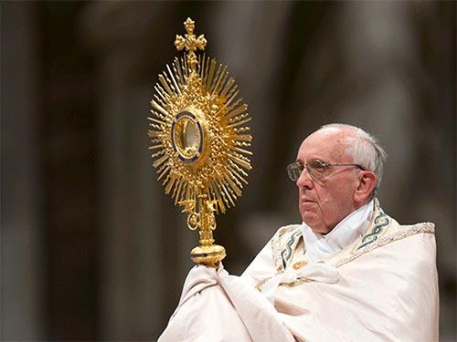 Papa con Custodia